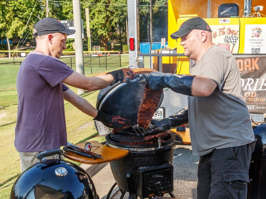 Kennesaw's Pigs & Peaches BBQ Festival Aug 25 & 26