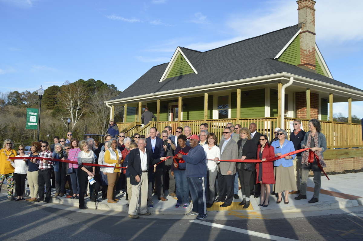 Art at the Park House Opens in Acworth
