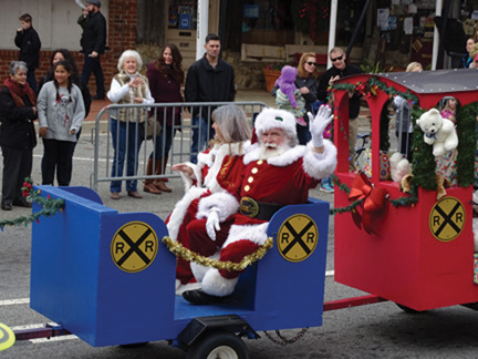 ALERT ALERT – KENNESAW MOVES DAY WITH SANTA